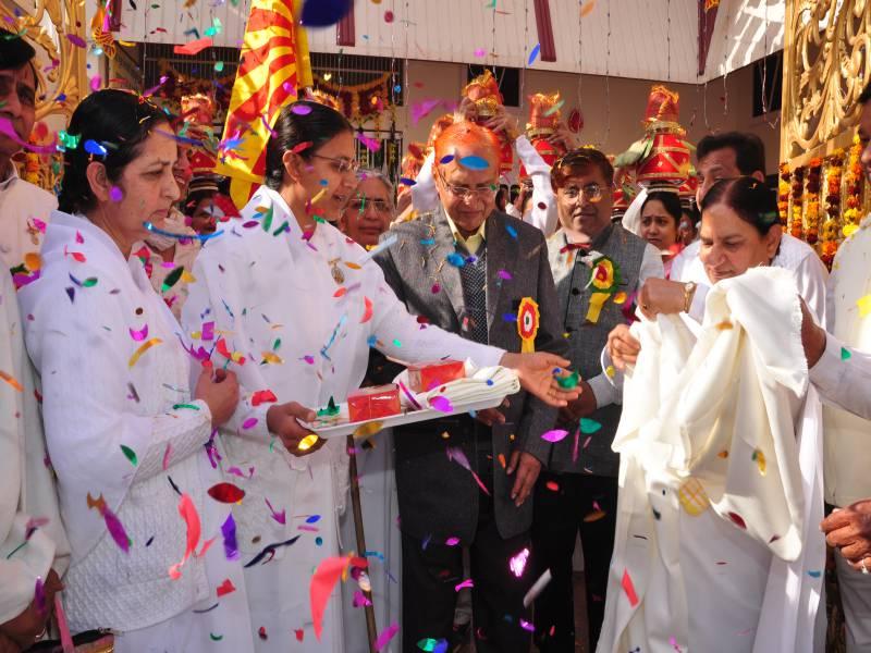 Chief Guest Dr Hari Gopal Ji, Dr Monish Gopal Ji, BK Brij Didi