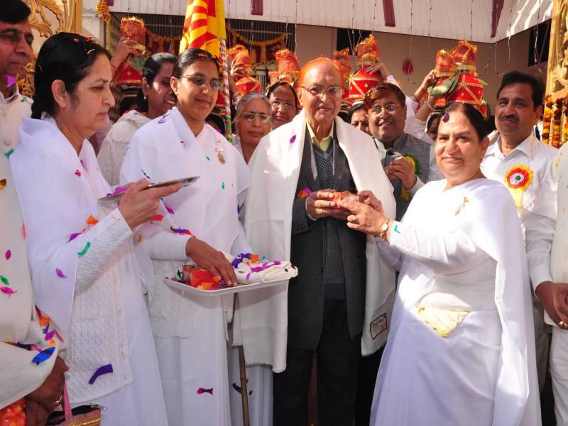 Saugat to Dr Hari Gopal Ji