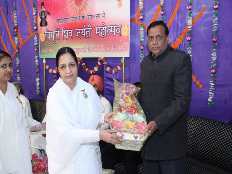 Guest of Honour : Sh. Inder pal Garg, Maha Shakti kala mandir Pradhan