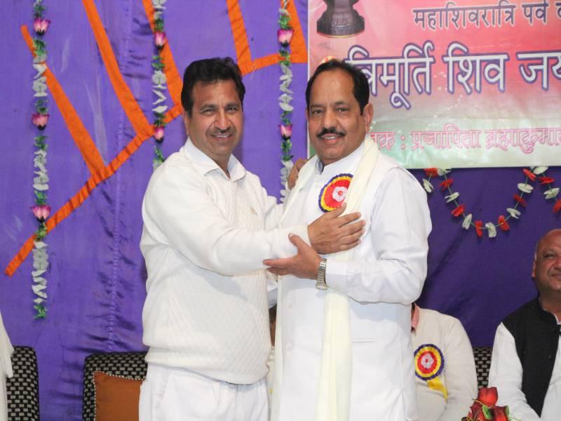 Honour to BK Sampuran bhai by BK Dr Subhash